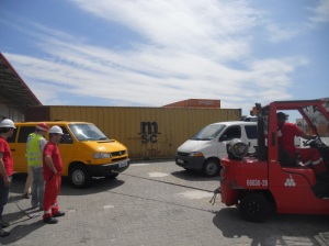 An inelegant pull-start from a forklift (picture shamelessly stolen from LaSuperVanita)