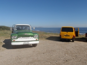 Quick stop on route up the coast – enjoying some of the lovely old vehicles still on the road here