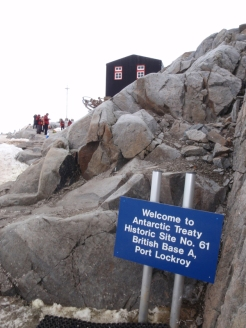 A visit to Port Lockroy, an old British base maintained as a museum