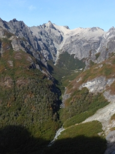 The descent route, straight down this gully at the head of the valley, 800m of continuous descent