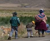 YVD blog 20 image - cholitas in La Paz-163-November 21, 2015